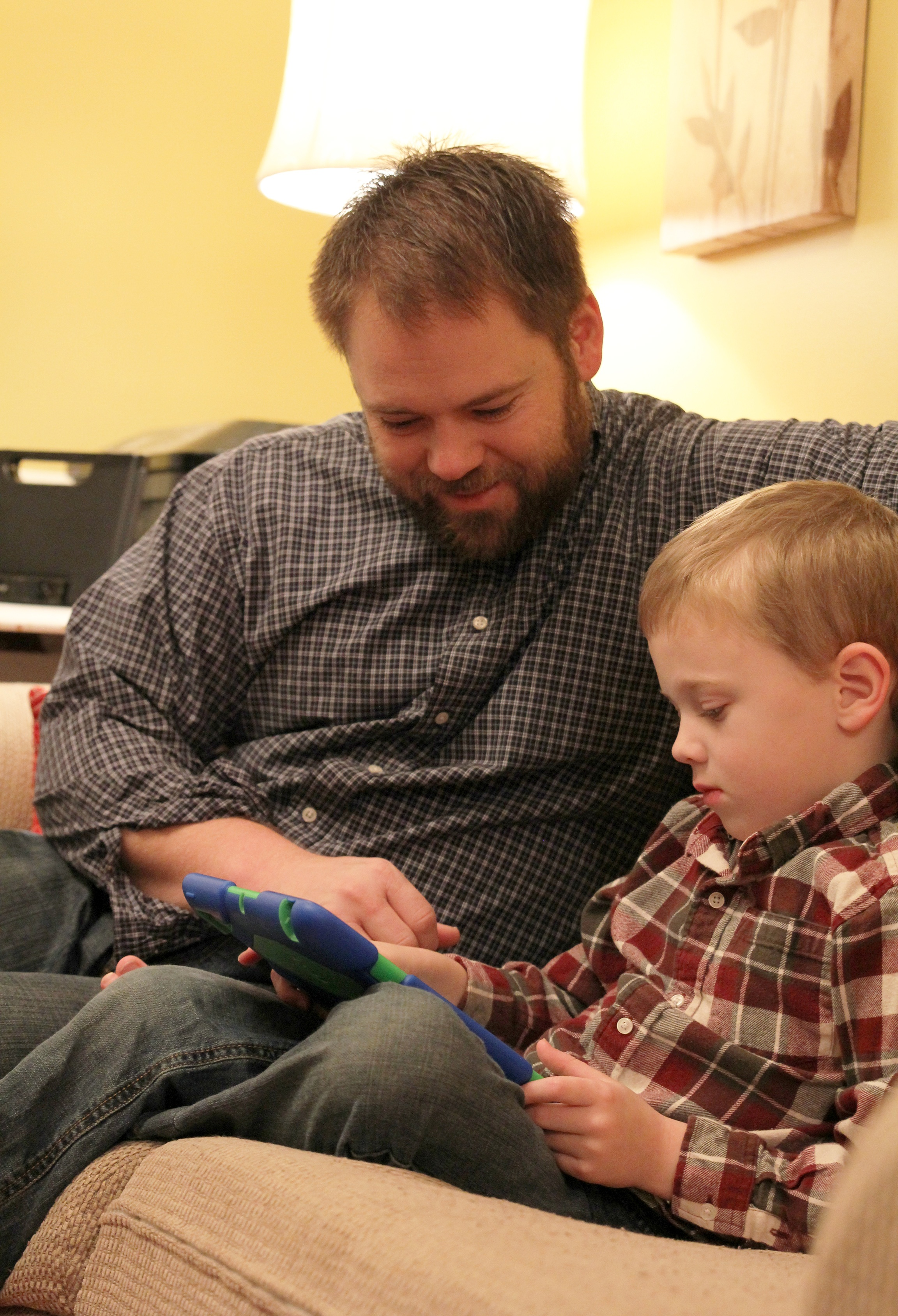 Children may try to maximize their access to technology when parents aren't around, and many babysitters show up to watch children armed with smart phones and tablets that are filled with kid-amusing apps. This works, as long as parents and babysitters discuss and agree on rules relating to technology before mom and dad leave the house, according to Diane Bales, a University of Georgia associate professor and UGA Cooperative Extension human development specialist.