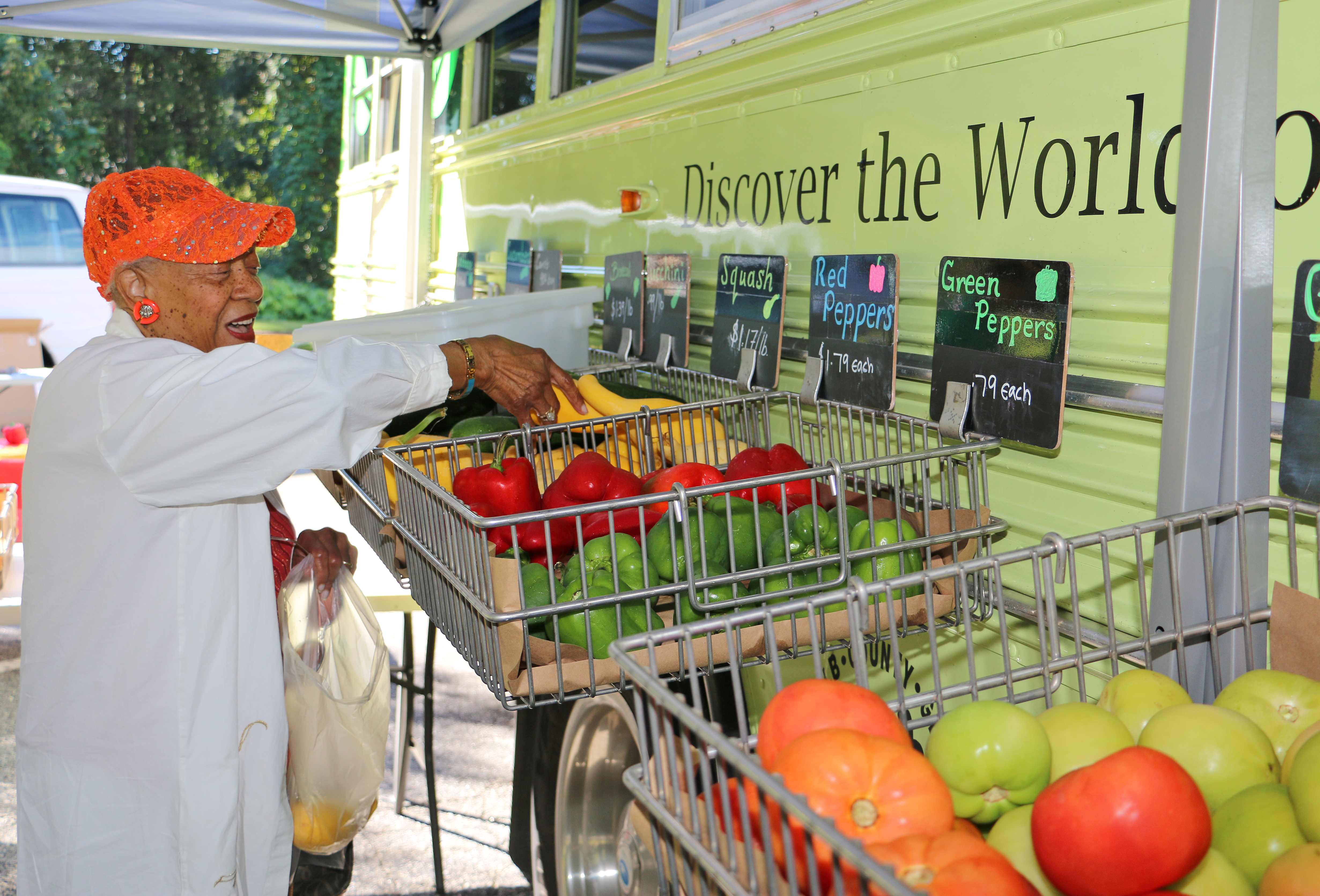 Connie Robinson browses the produce at the DeKalb County Mobile Market. The market, operated by UGA Extension in DeKalb County and the DeKalb County Board of Health, brings fresh produce to communities with limited access to fruits and vegetables.