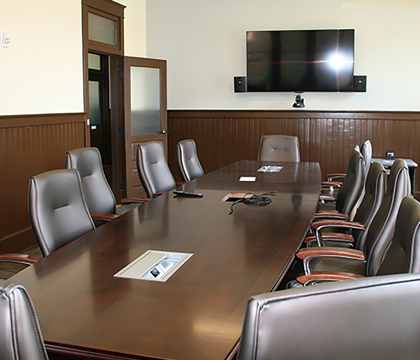 UGA Tifton's Tift Building has a board room on the second floor, designed to host meetings.