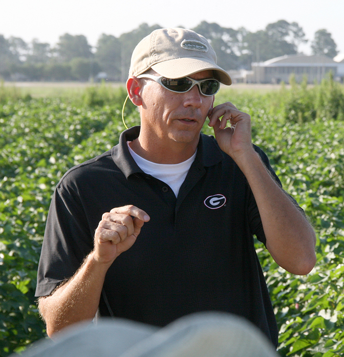 UGA weed scientist Stanley Culpepper speaks during the Sunbelt Field Day in 2015. He is among the scheduled presenters during this year's field day on July 25, 2019.