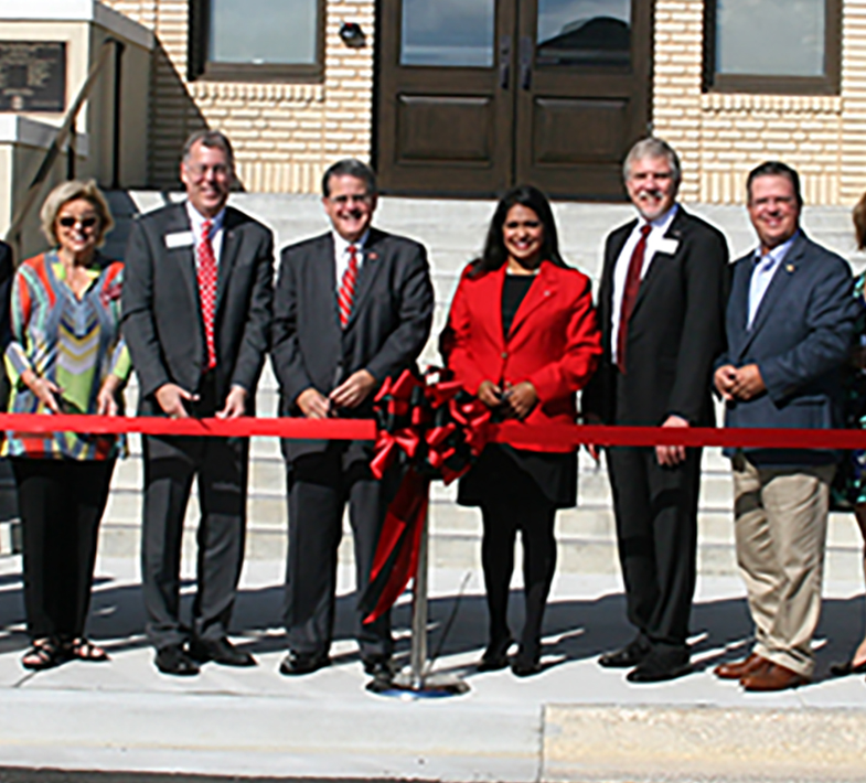 Ribbon cutting on the UGA Tifton Campus of the Tift Building.