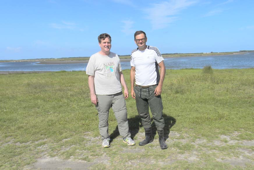 Darold Batzer (L) and Leonardo Maltchik of Universidade do Vale do Rio dos Sinos at a wetland in southern Brazil.