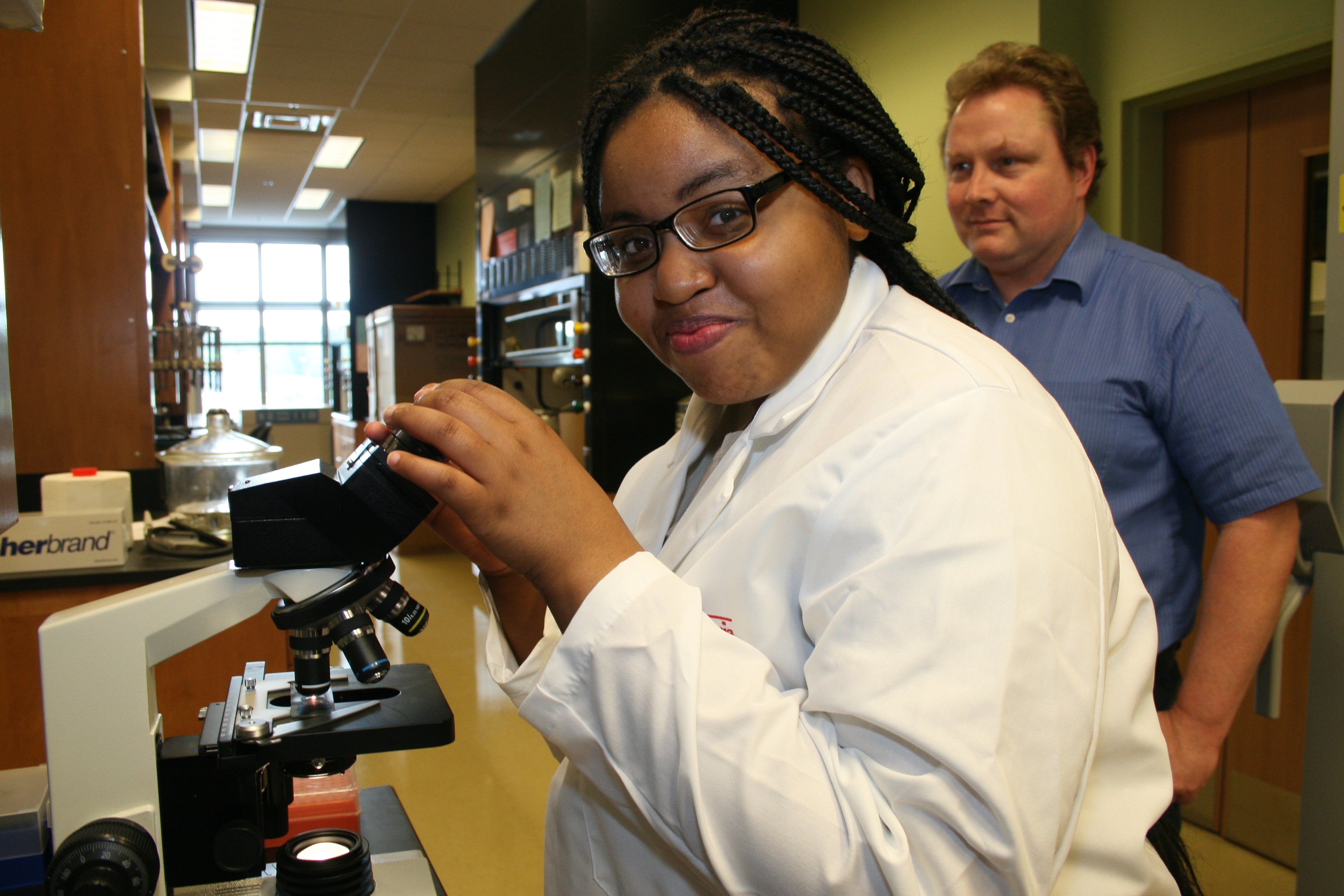 Each year the University of Georgia College of Agricultural and Environmental Sciences offers paid research internships to Georgia high school students through the UGA Young Scholars Program. The application deadline for summer 2017's internships is Jan. 31.