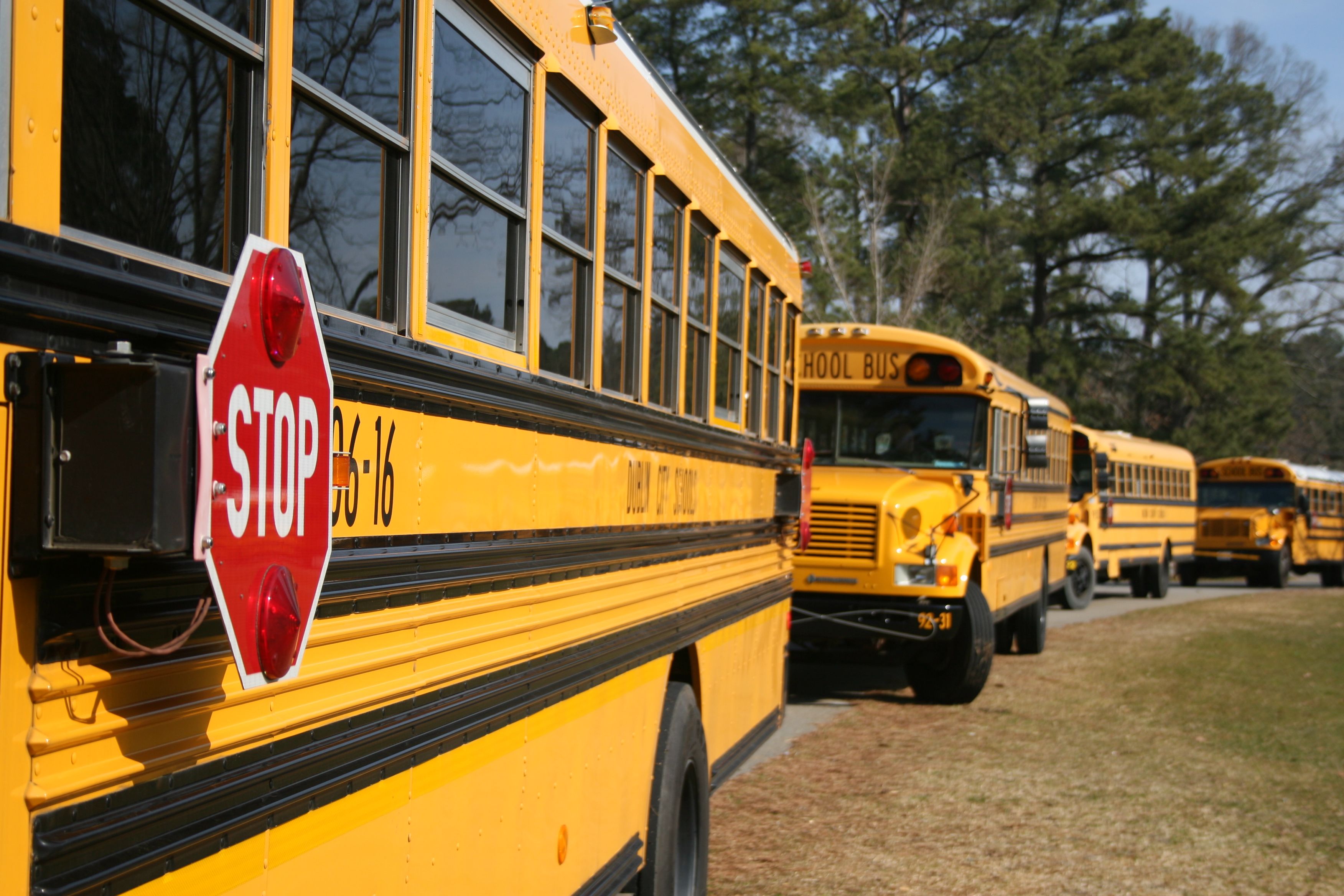 To protect students' lungs, school buses should not idle outside school buildings, University of Georgia experts say.