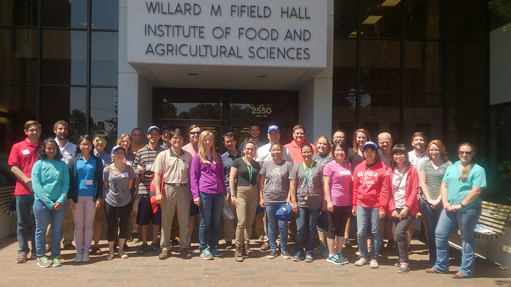 Twenty-one CAES graduate students hit the road in May to explore crop protection career opportunities in Florida.