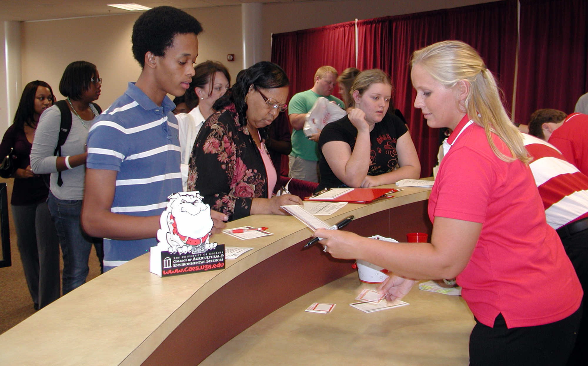 Students register for 2009 UGA Tifton Southwest District Recruitment Event at the UGA Tifton Campus Conference Center.
