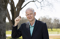 Darrell Sparks was awarded the UGA Inventor of the Year Award in 2018.