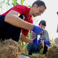 Jason Wallace, a UGA assistant professor of crop and soil sciences, is working with Dingming Kang, a CAU agronomy professor, as part of a collaboration funded through the UGA College of Agricultural and Environmental Sciences Office of Global Programs.