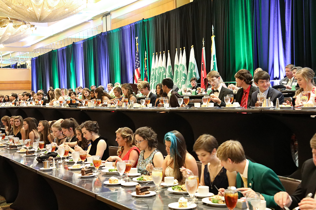 Georgia students at the annual banquet honoring 4-H'ers.