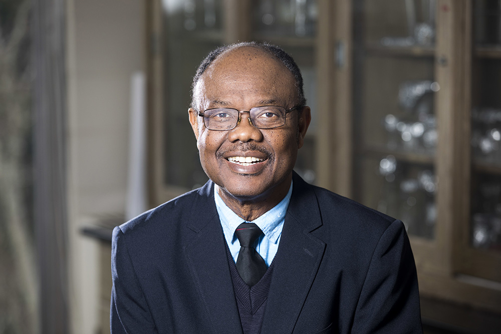 UGA Professor Samuel Aggrey has earned the Richard B. Russell Professorship in Agriculture.
