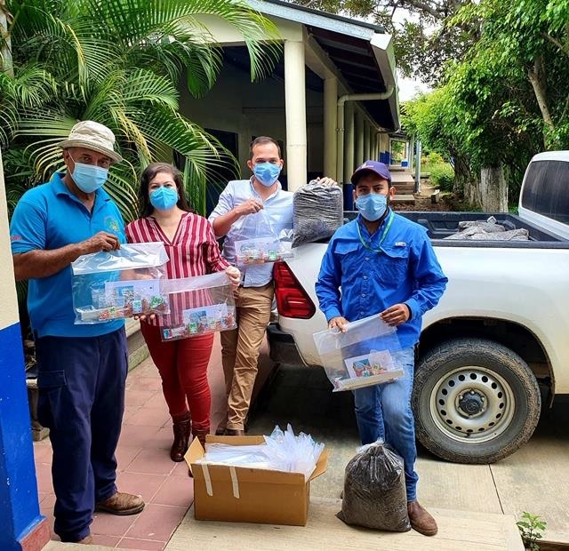 Personnel from Zamorano University prepare to deliver home gardening kits for 4S students participating in the Honduras 4S From Home program.
