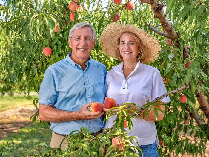 """Al Pearson, a member of the UGA College of Agricultural and Environmental Sciences Alumni Board, and his wife, Mary Pearson, established the Dr. Maurice E. """"Butch"""" Ferree Scholarship to support students majoring in horticulture in honor of Ferree, who retired in 1998 after 24 years with UGA Extension."""