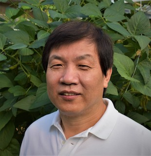 The 2021 D.W. Brooks Faculty Award for Excellence in Research goes to Zenglu Li.