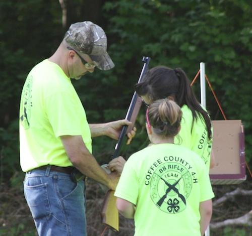 Volunteers help 4-H programs across the state