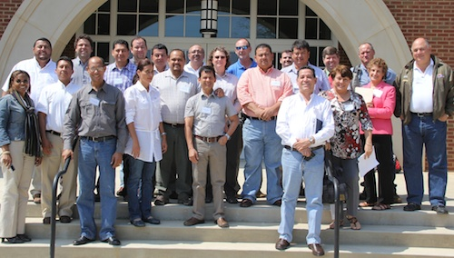 Group photo to Latin American visitors and UGA scientists