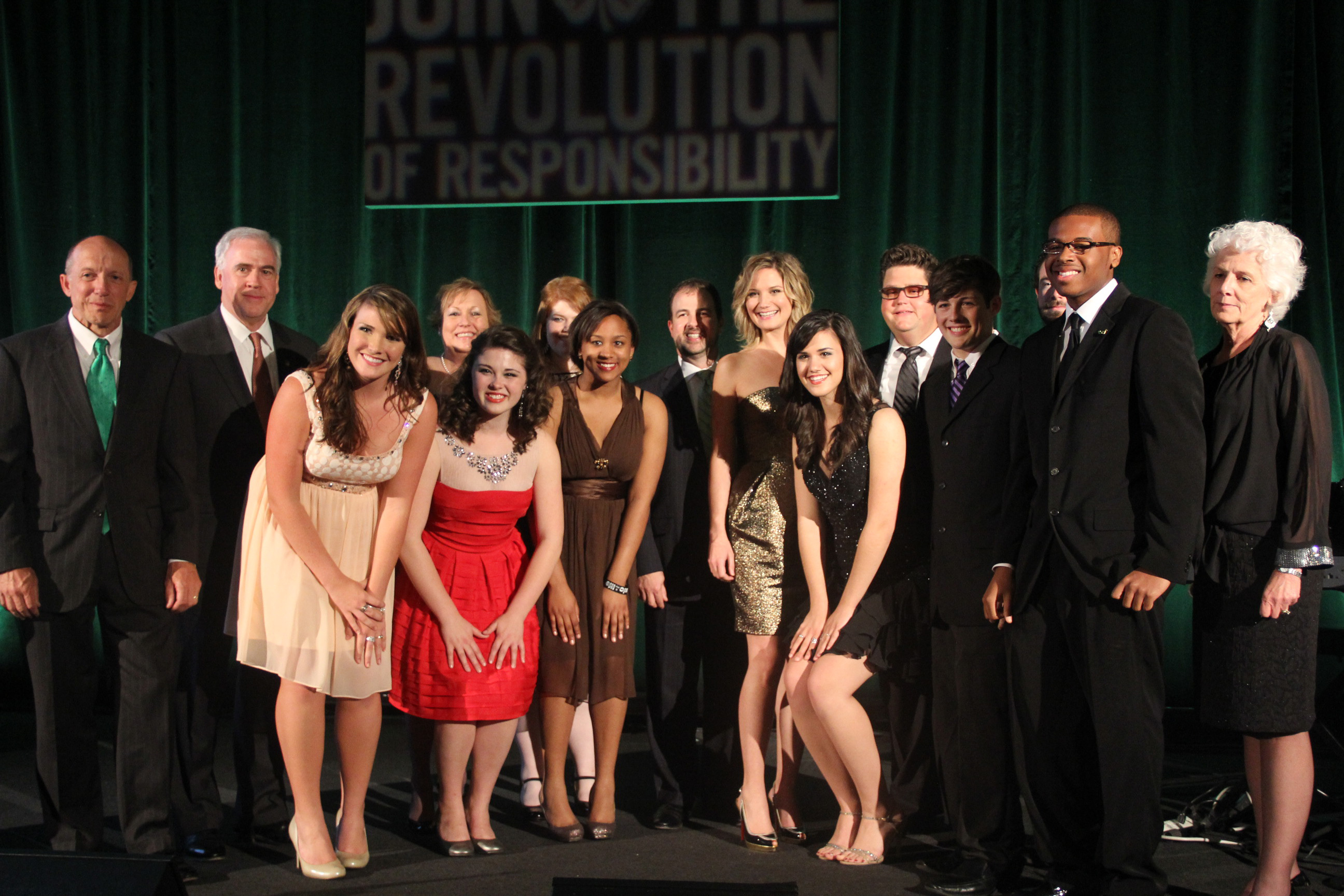 Georgia 4-H Alumna Jennifer Nettles poses with the Clovers and Company performance group in New York.