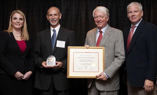 Glenn Beard wins Hill Award