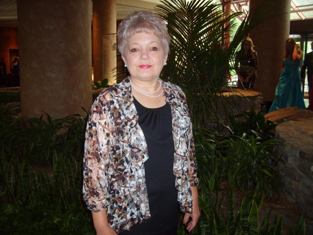 Portrait of Debra Cox