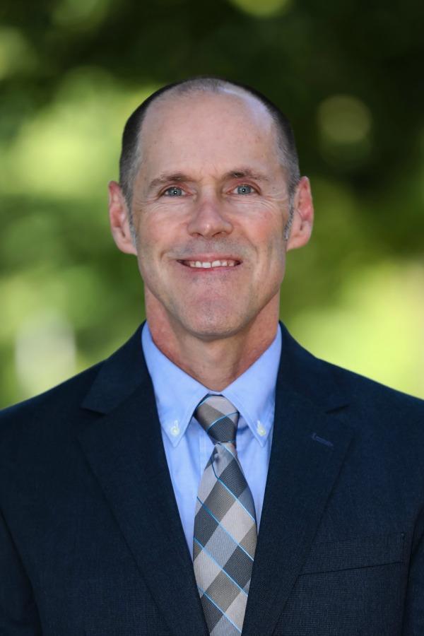 Portrait of Dennis Duncan