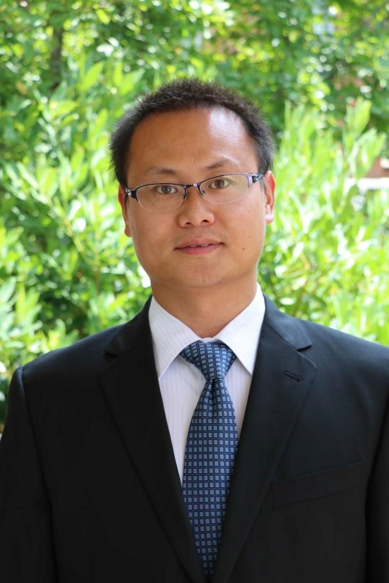 Portrait of Lilong Chai
