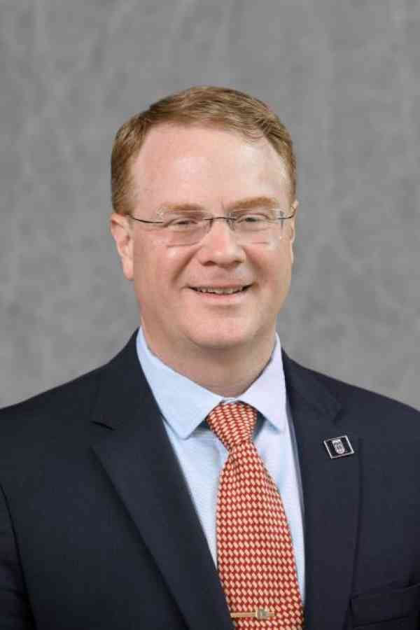 Portrait of Todd Applegate