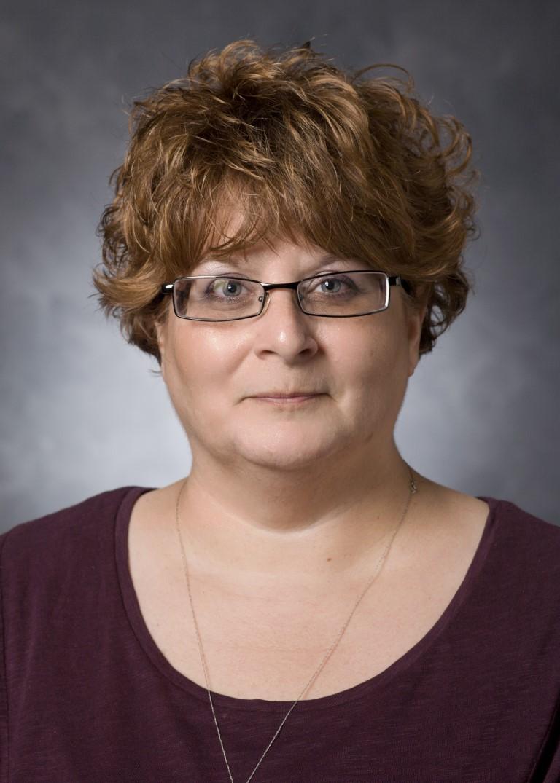 Suzanne R Williams